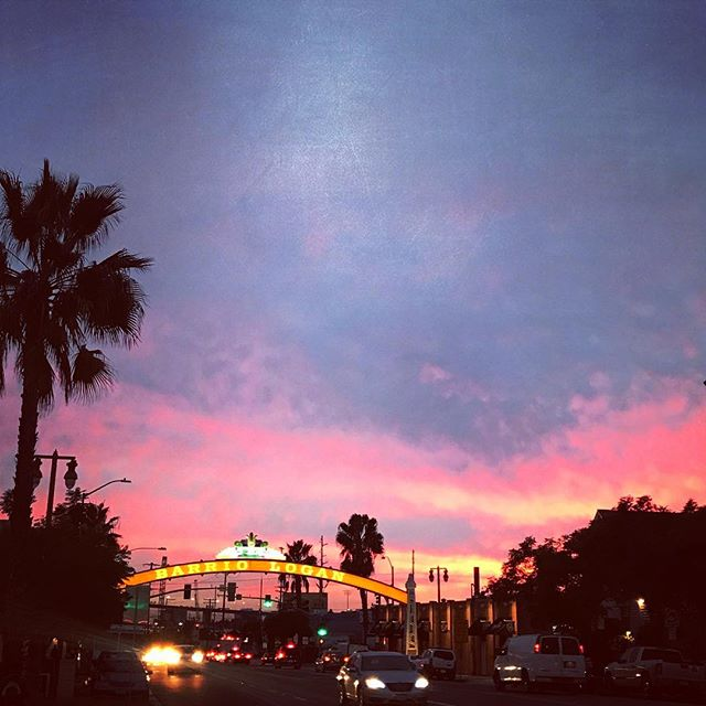 Last nights beautiful sunset in the barrio. Enjoy your day amigos!  #barriologan #sd #92113 #619 #art #artcommunity #artsdistrict #barriologanculturaldistrict #barrioartcrawl