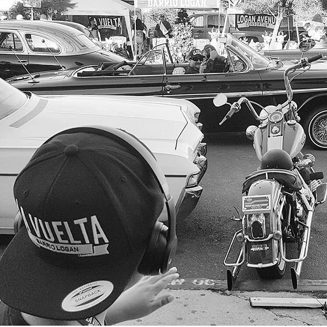 Cool photo of Ranflas, Viclas, Current DJs and future DJs ... it's our communities culture, tradition and lifestyle... it's La Vuelta in Barrio Logan ... #lavueltabarriologan #lowridingisnotacrime #lowridingisalifestyle #music #cars #tradition #culture #art #arte #cultura #musica #tradicion #barriologan #sandiego #dalegas