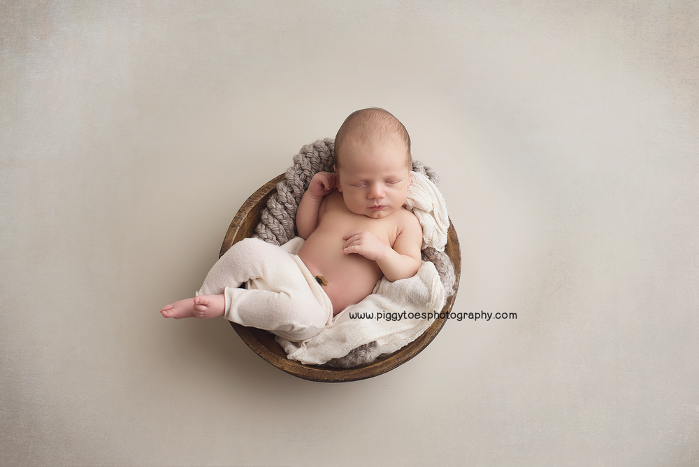 Big Sister Status Massachusetts Newborn Photographer Piggy Toes