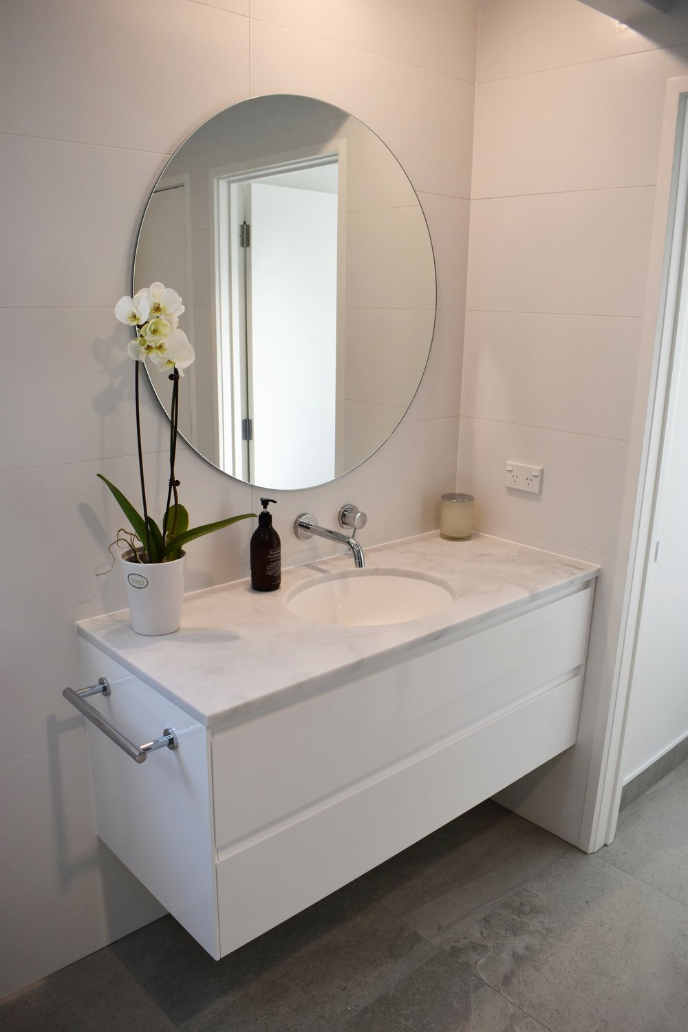 park-rise-bathroom.jpg