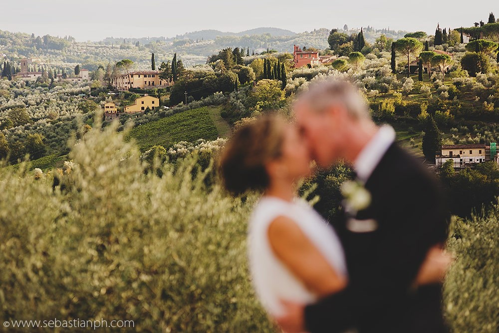 tuscany-countryside-romantic-wedding-photography.jpg