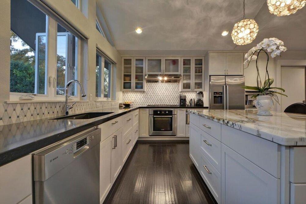 Transitional White Kitchen Design Austin