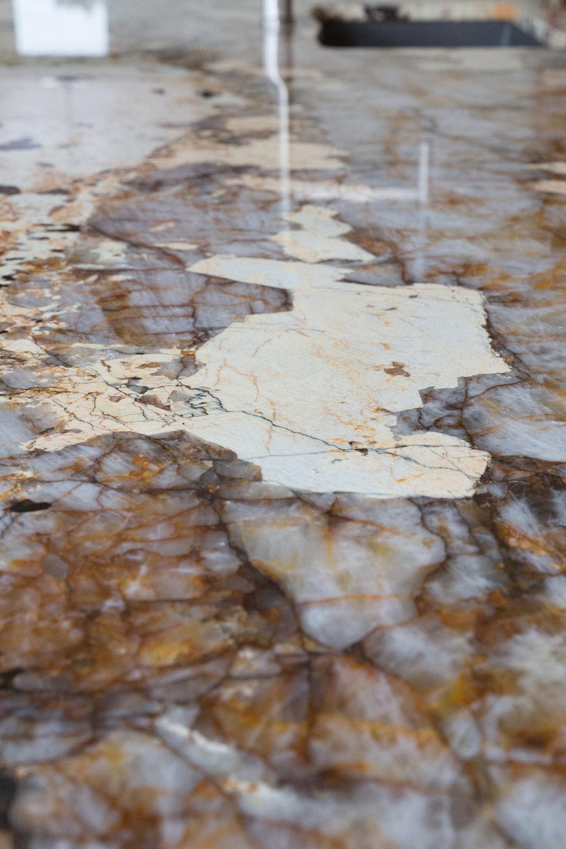 Earth Tone Granite Kitchen Design