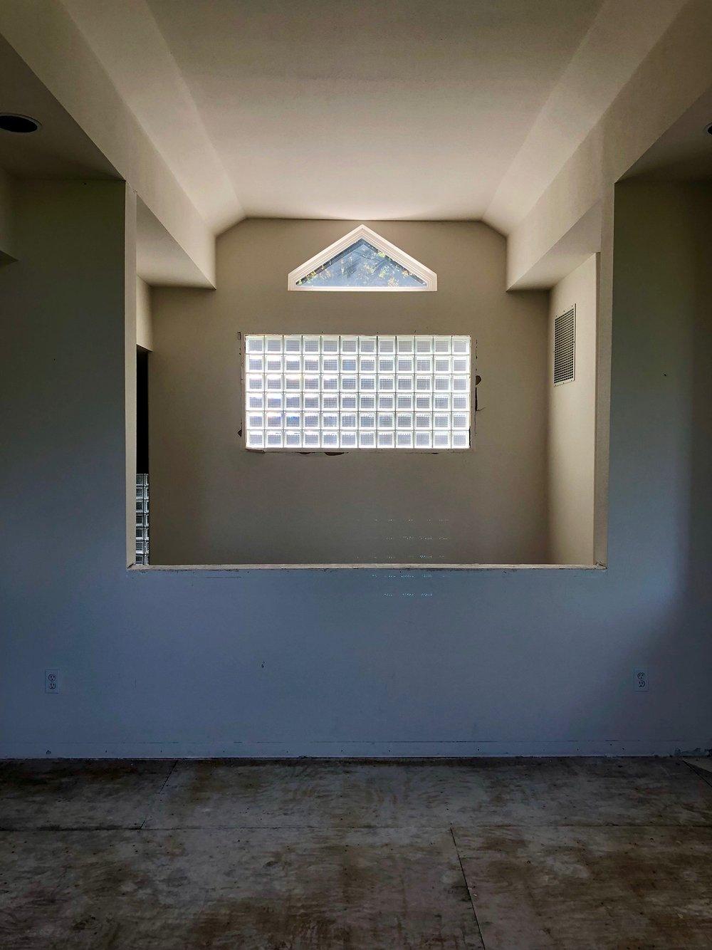 Fairmount Window 01.jpg