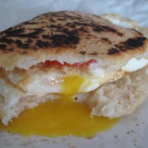 Breakfast Arepas / via Meli Contreras  Note : Even though this is not strictly a recipe - as an idea it is just yummy.