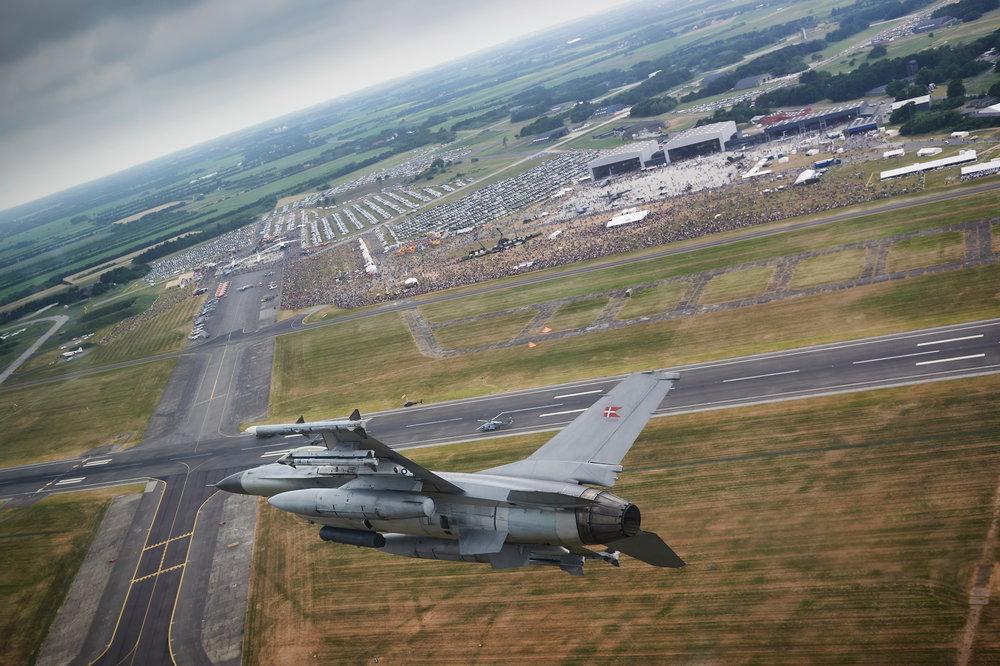 2018-06-10_F-16_Airshow_LR_240.jpg