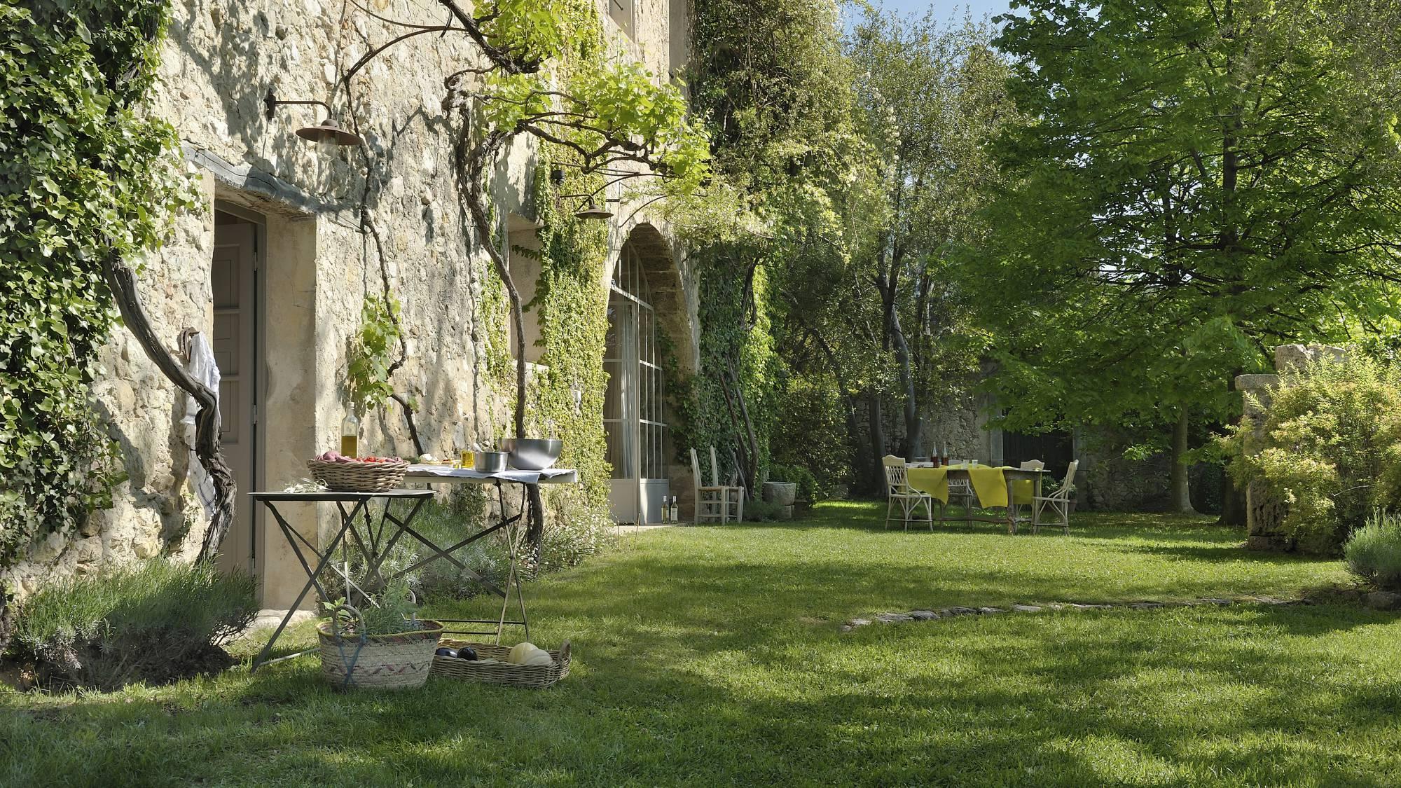 Maison de jardin latest abri de jardin m bois massif with - Maison jardin house plan villeurbanne ...