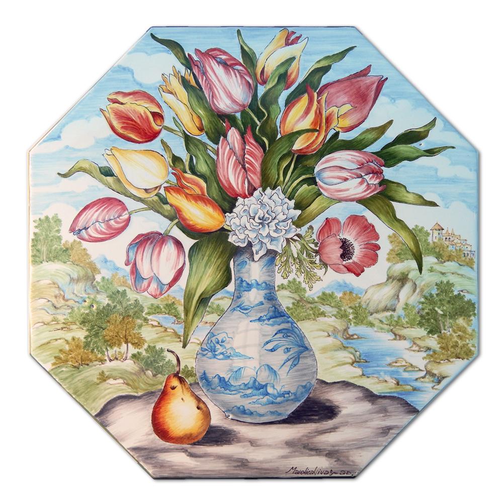 """""""Vaso in porcellana con tulipani e pera (omaggio a Giovanna Garzoni)"""" – Misure: cm 33x33 – Cottura a gran fuoco (920 gradi)"""