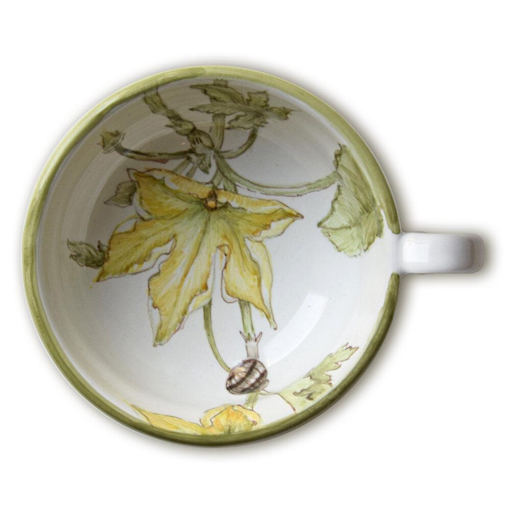 Servizio da tè: tazzina con fiore di zucchina e lumaca