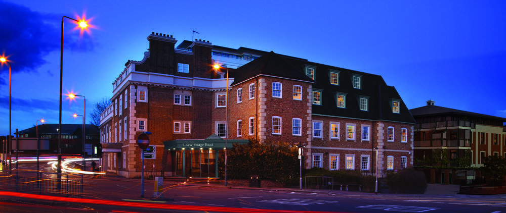 Kew Bridge Road_Dusk Shot_RET.jpg