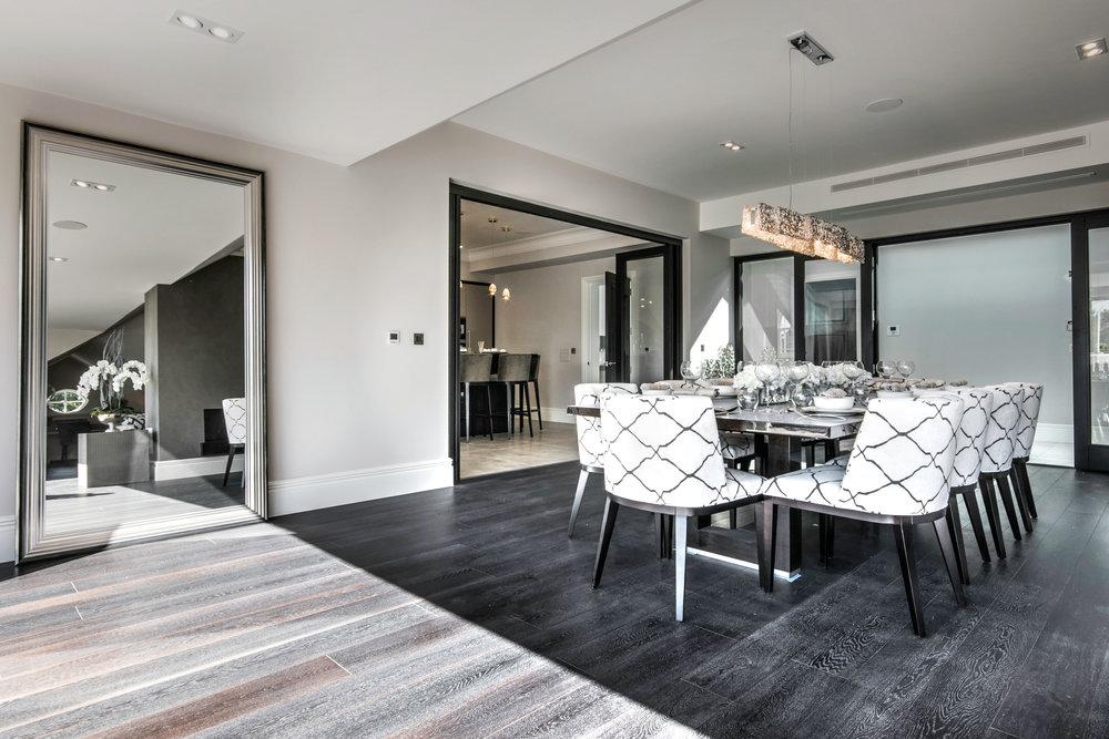 Dining area penthouse.jpg