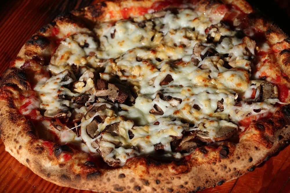 Applewood - Applewood bacon, crimini mushroom, mozzarella,gouda, crushed tomato sauce