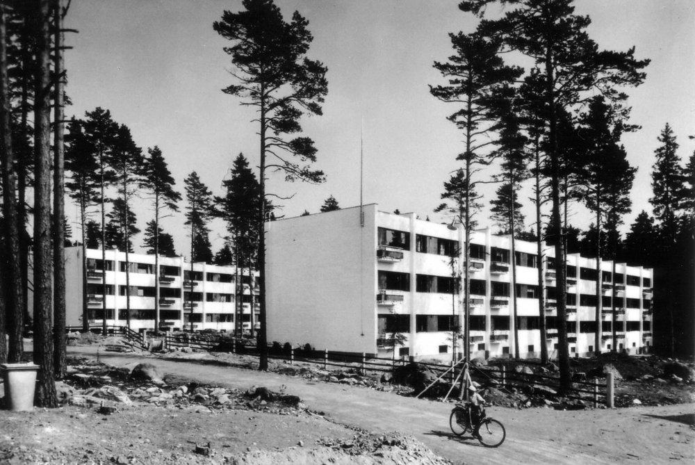 Kivelä ja kontio vuonna 1939.