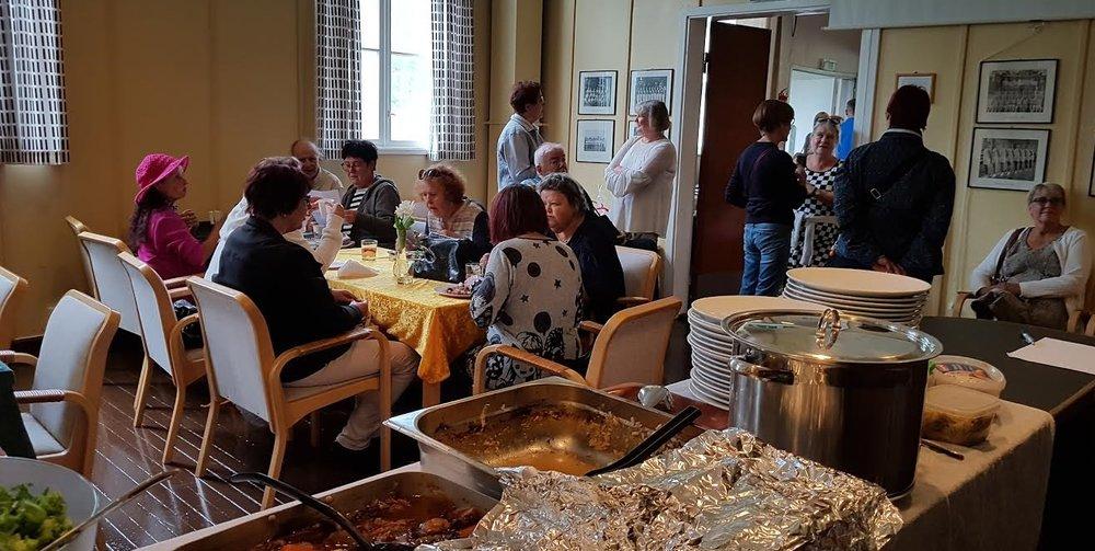 Ravintolapäivänä tarjoiltiin kaalilaatikkoa ja Burgundin pataa.
