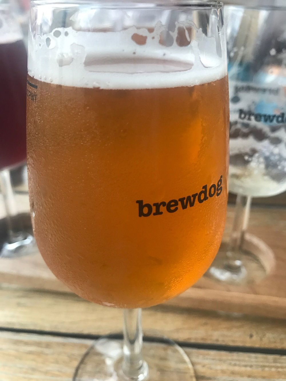 Djuicy - Double IPA 8.5% // To Øl - Bucking the trend this time, but only ever so slightly, comes one of the standout beers I had as part of To Øl's tap takeover at BrewDog Shepherd's Bush. Another superb DIPA - I think this is the first of this style I've had from these Danish heroes and they've again shown they have mastered yet another type of beer and reinforced why they are one of my favourite breweries.This was amazingly refreshing and I sank it in record time, only wishing it wasn't so expensive so I could buy pints of this wonderful alcoholic juice.