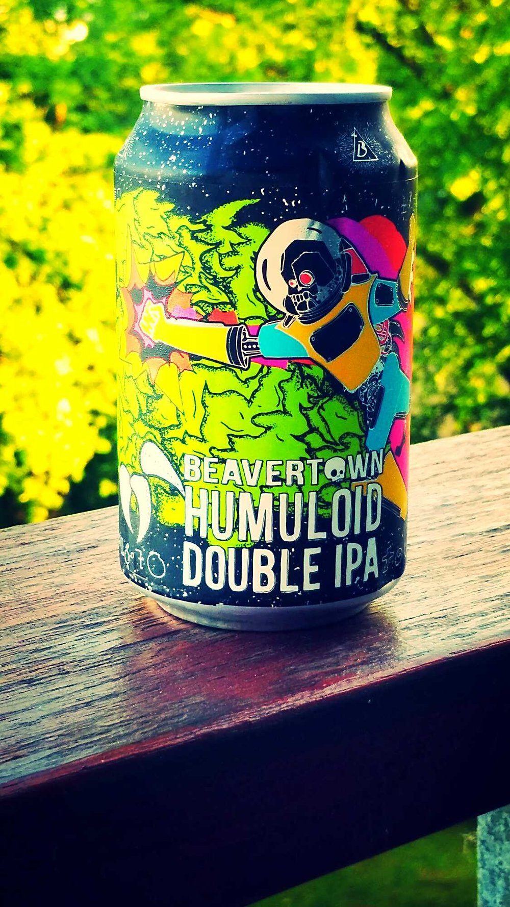 Humuloid - Double IPA 8% // Beavertown - A gift from a friend, we had fun comparing the varied art of the Humuloid cans before cracking these open and pouring them out. First impressions were; massively murk and so fresh. It was dense and packed full of flavour. I found the flavours a bit overpowering initially but it did grow on me. Overall, an enjoyable Imperial IPA and one I would return to.(Thanks to Friend of the Voyage, Jabo, for the picture)