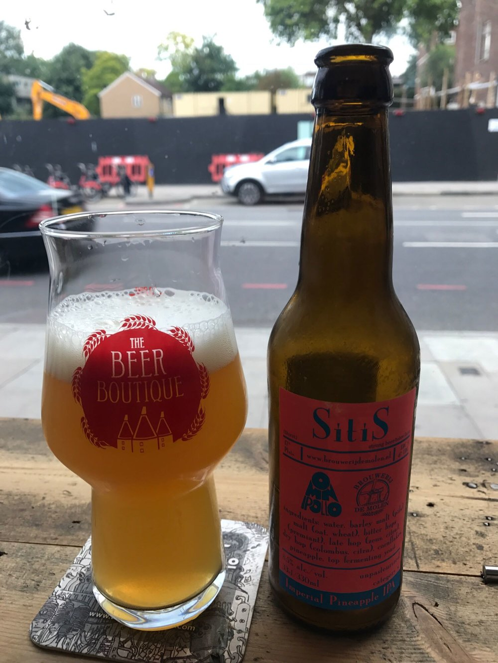 "SitiS - Imperial Double IPA 8.5% // Brouwerij De Molen x Omnipollo - ""Hey, Hedges, we heard you like pineapple?"" ""Yes"" ""What about when it's in beer?"" ""Double yes"" ""What about in a Double IPA?"" ""Triple yes"" ""What about when it's also a collaboration between two great European breweries?""""Why are you still talking?""I spied this in the fridges at The Beer Boutique in Putney and it wasn't long until we became intimately acquainted. This was brewed using cornflakes and whilst I can't claim my palette is so advanced that I could taste them at all, I think it's the first time I've seen them listed as an ingredient in a beer. Well, I thought it was interesting...Forget the cornflakes - this was all about the pineapple. A juice bomb that tasted super fresh and went down way, way too easy for 8.5%."
