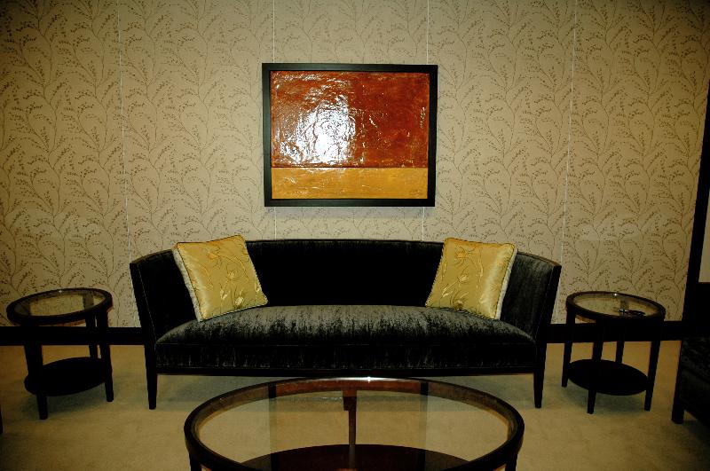 comm-waitingroom.jpg