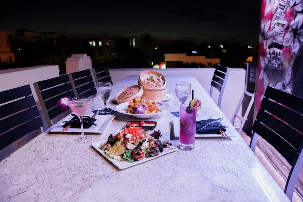 Dinner at the SkyBar