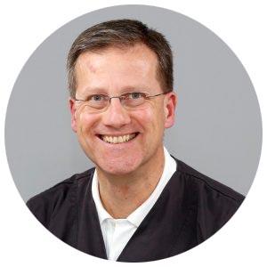 Claus-Peter Ernst Oberarzt.jpg