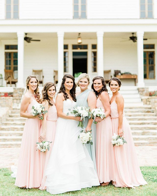 In May, I added a new favorite venue to my list. The Homestead at Cloudland Station. Y'all, this place is so dreamy! . . . . . #southernwedding #southernweddings #southernweddingphotographer #chattanoogawedding #chattanoogaweddingphotographer #thehomesteadatcloudlandstation #stylemepretty #smp #smpweddings #southernbride
