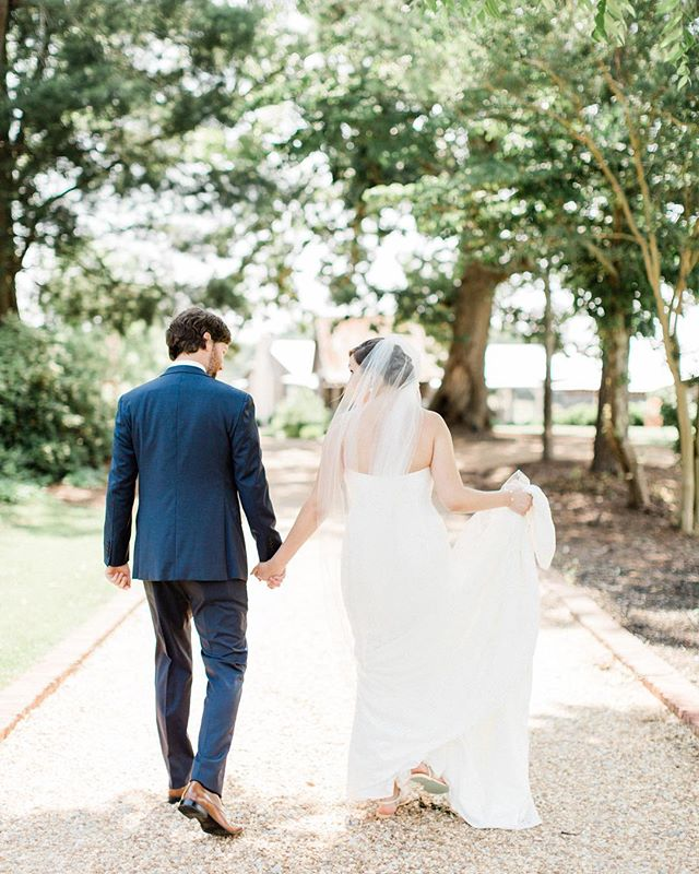 @westmilfordfarm has my ❤️. . . . . . .  #weddingphotographer #southernweddings #southernweddingphotographer #northgaweddings #northgaweddingphotographer #dahlonegaweddingphotographer #fineartweddingphotographer #smpweddings #stylemepretty #southernwedding  #northgaengagementphotographer  #westmilfordfarm #westmilfordfarmsweddingphotographer #westmilfordfarmwedding