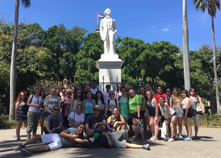 Carlos Lazo's class visiting the Plaza de Armas in Havana.