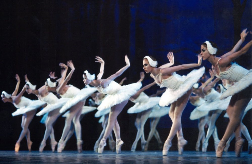 balletnacionaldecubacreditstardusttheatre0410persfoto6grotegalavddans2_1.jpg