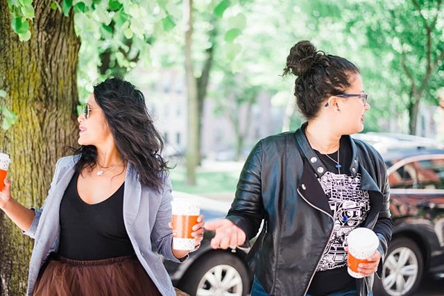 Searching for the weekend and making sure it's on its way.  Coffee in hand, we're good for now.  And you?  Treating yourself today? . . . . #bostonblogger #bostonbloggers #savvycommunity #theeverygirl #badasswomenofcolor  #abmhappylife #thatsdarling #livecolorfully #abmlifeisbeautiful #abmlifeiscolorful #flashesofdelight #everydayshesparkling #pursueconnections #pursueplay #shindigstylesesh #shindigplaysesh