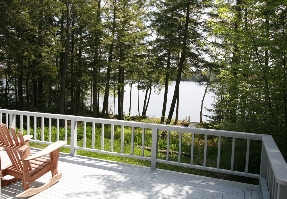 oceanfront maine a waterfront camden puffin romantic b inn cedarholm cottage cottages garden in getaway tub bay luxury