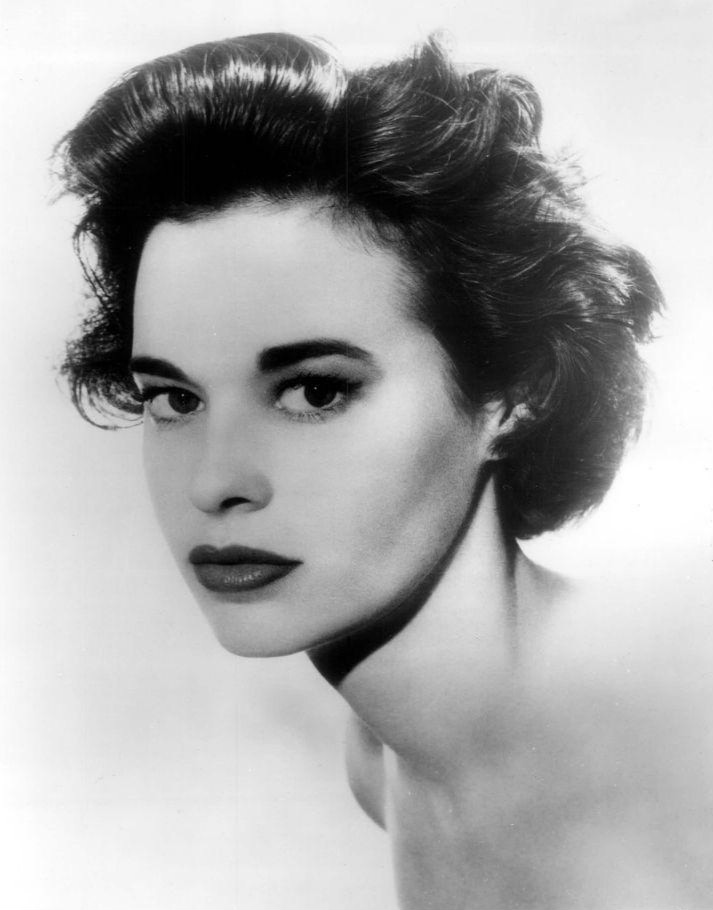 Gloria_Vanderbilt_1959.JPG