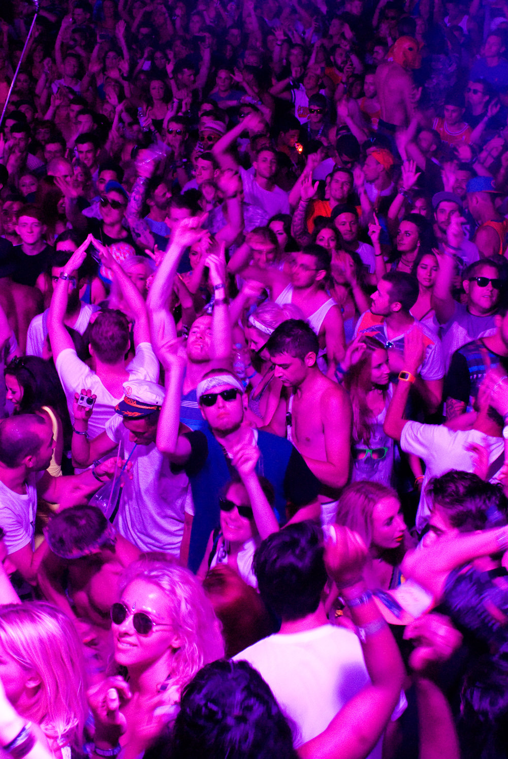 GeorginaCook_hideout_festival_croatia_club_crowd.jpg