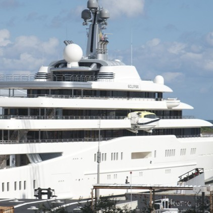 palm-beach-post-russian-mega-yacht-docks-at-berth-one-in-palm-beach - Edited.jpg