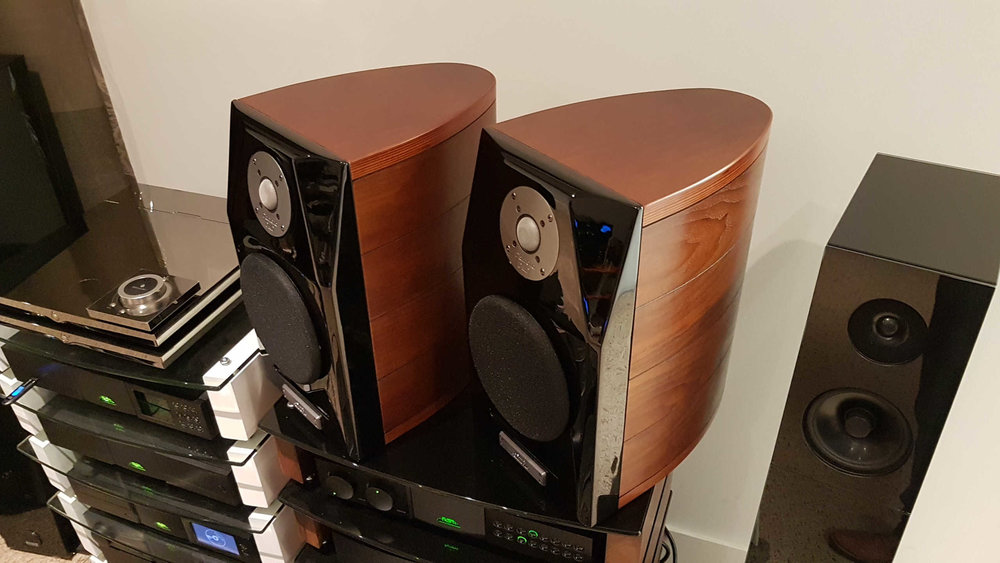 Usher Dancer Mini-X Diamond $2,500 - DMD Diamond TweeterOne ownerExcellent ConditionBox/ManualBeautiful speakers with top quality drive components