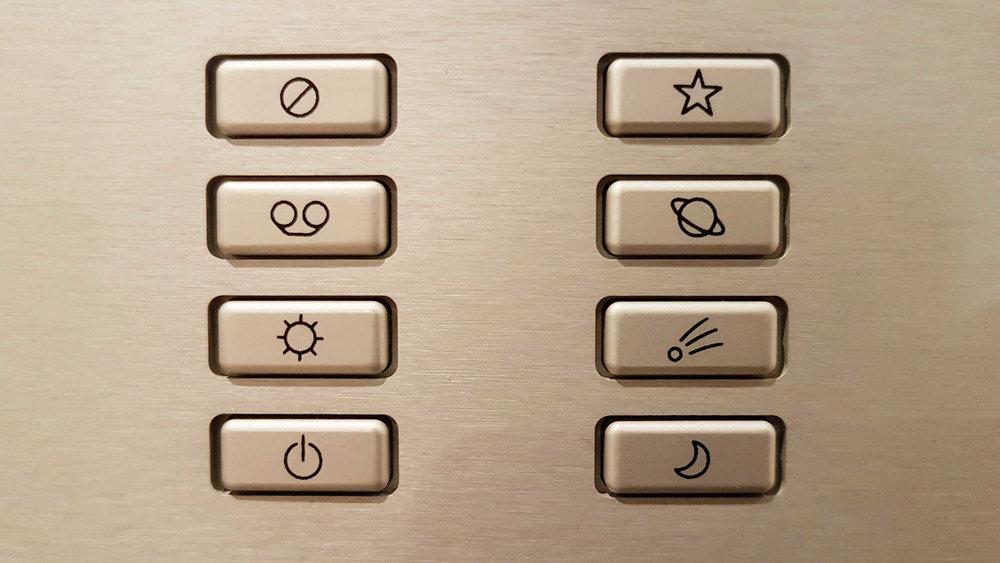 ayre_ax7e_buttons.jpg