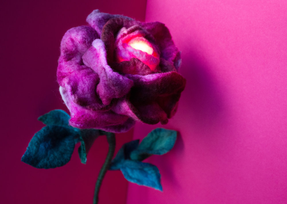 felt-flower-lamp_Wine-Rose_Adelya-Tumasyeva_4.jpg