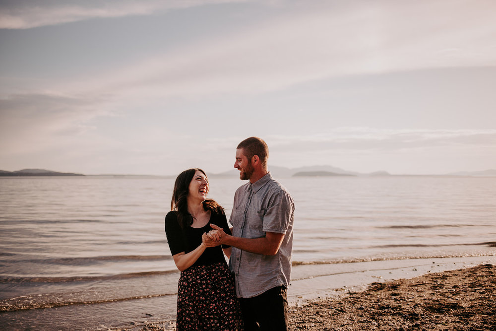 Chuckanut-Clayton-Beach-Bellingham-WA-Engagement-Megan-Gallagher-Photography