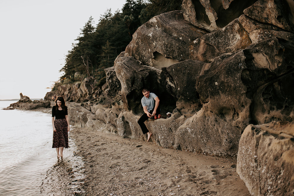 IMG_9595.jpgChuckanut-Clayton-Beach-Bellingham-WA-Engagement-Megan-Gallagher-Photography