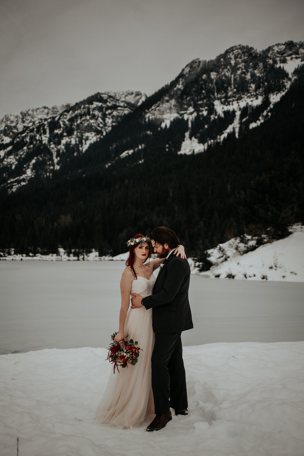 gold-creek-pond-elopement-wedding-megan-gallagher-photography (2 of 195).jpg