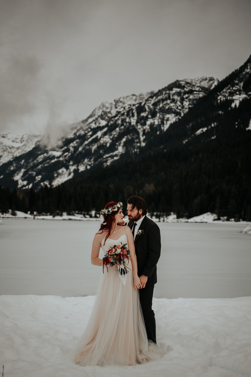 gold-creek-pond-elopement-wedding-megan-gallagher-photography (13 of 195).jpg