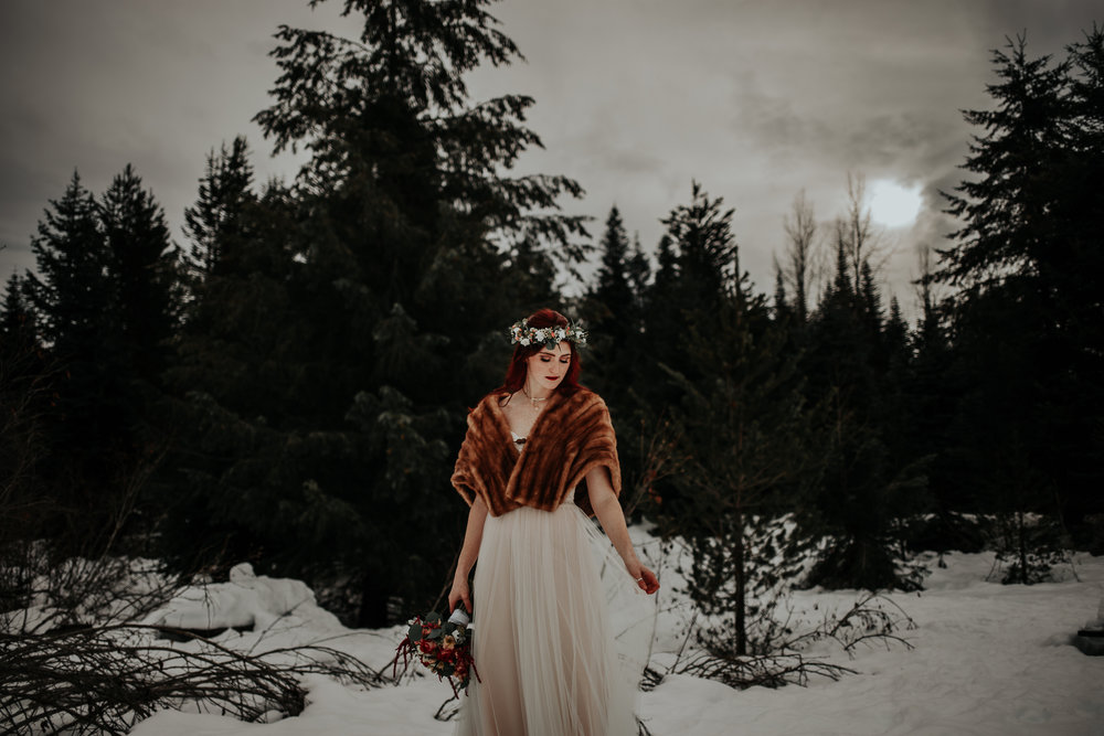 gold-creek-pond-elopement-wedding-megan-gallagher-photography (103 of 195).jpg
