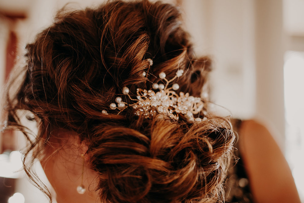 getting-ready-broadway-hall-bellingham-wedding-megan-gallagher-photography (146 of 381).jpg