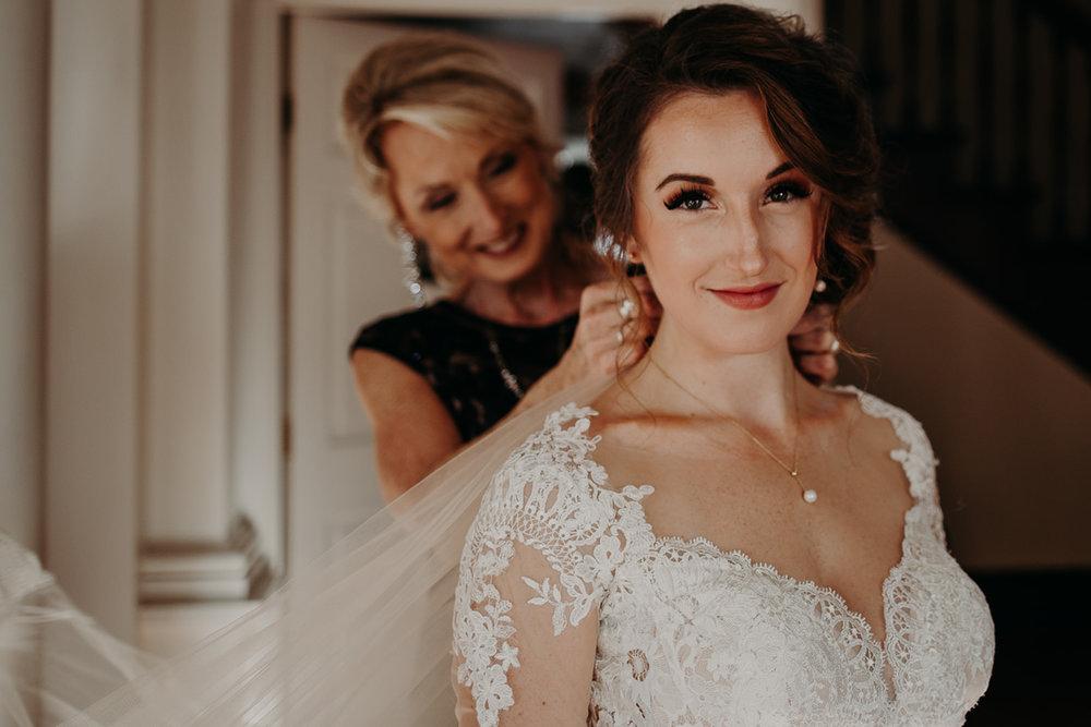 getting-ready-broadway-hall-bellingham-wedding-megan-gallagher-photography (172 of 381).jpg