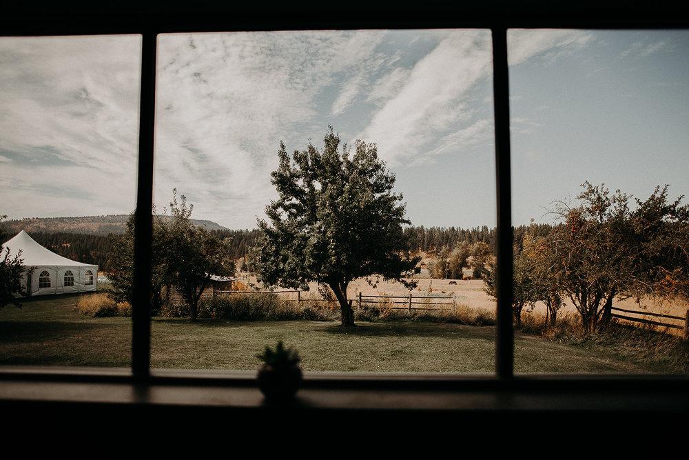 cattle-barn-wedding-cle-elum-wedding-megan-gallagher-photography-winston-salem-photographer (27).jpg