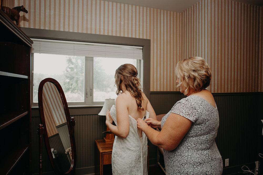 cattle-barn-wedding-cle-elum-wedding-megan-gallagher-photography-winston-salem-photographer (29).jpg