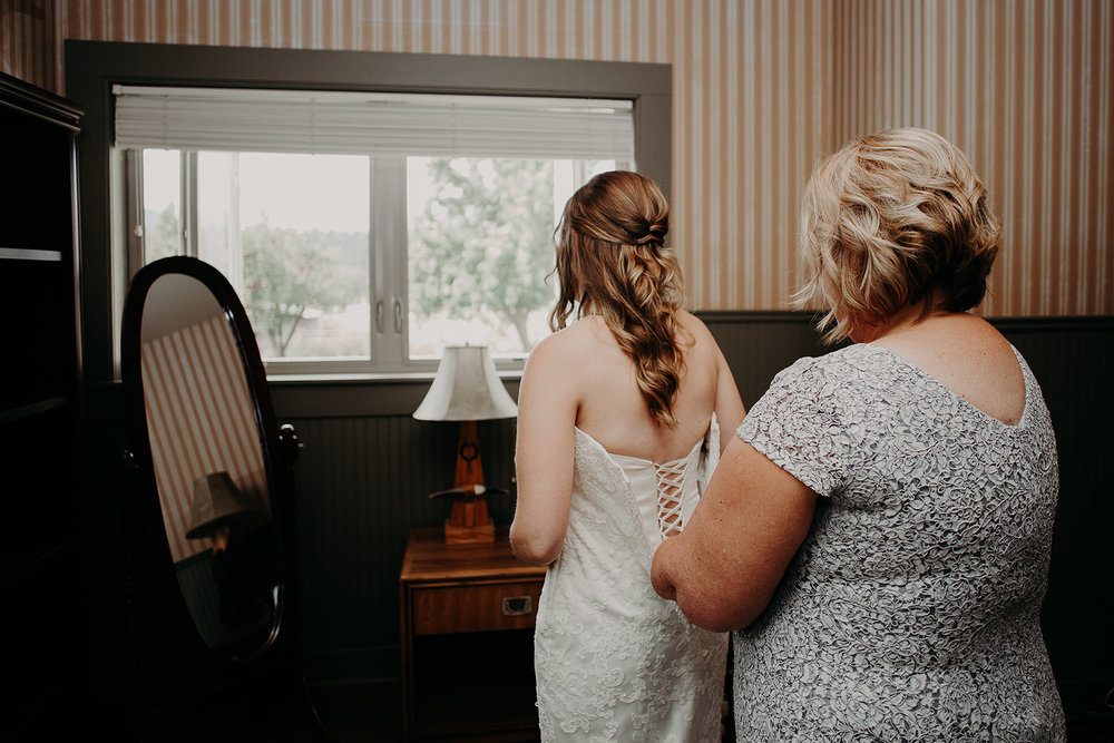 cattle-barn-wedding-cle-elum-wedding-megan-gallagher-photography-winston-salem-photographer (31).jpg