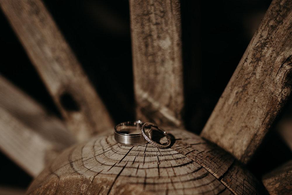 cattle-barn-wedding-cle-elum-wedding-megan-gallagher-photography-winston-salem-photographer (66).jpg