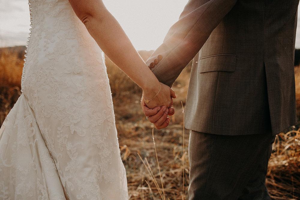 cattle-barn-wedding-cle-elum-washington-megan-gallagher-photography-winston-salem-photographer (1).jpg