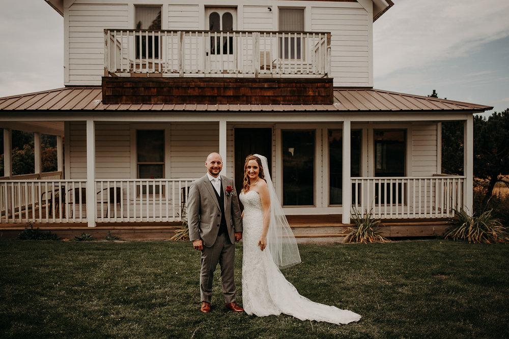 cattle-barn-wedding-cle-elum-washington-megan-gallagher-photography-winston-salem-photographer (4).jpg