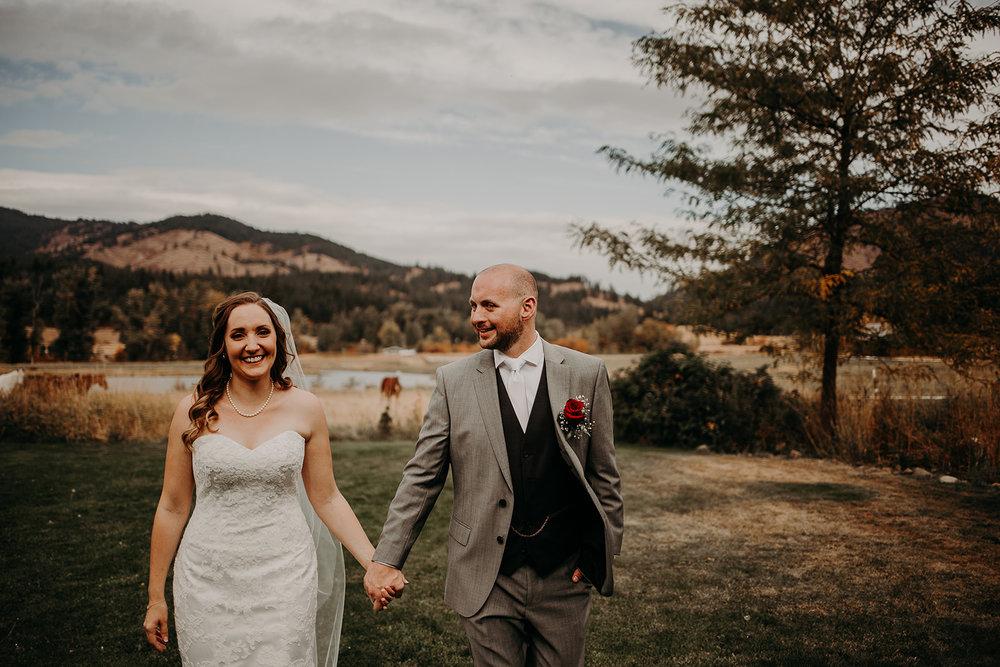 cattle-barn-wedding-cle-elum-washington-megan-gallagher-photography-winston-salem-photographer (6).jpg